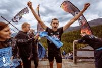 """Bieg \""""Kill the Devil Hill\"""" na skoczni Orlinek w Karpaczu (fot. materiały prasowe organizatora / killthedevilhill.pl)"""