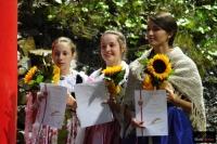 Wolontariuszki podczas ceremonii dekoracji, fot. Julia Piątkowska