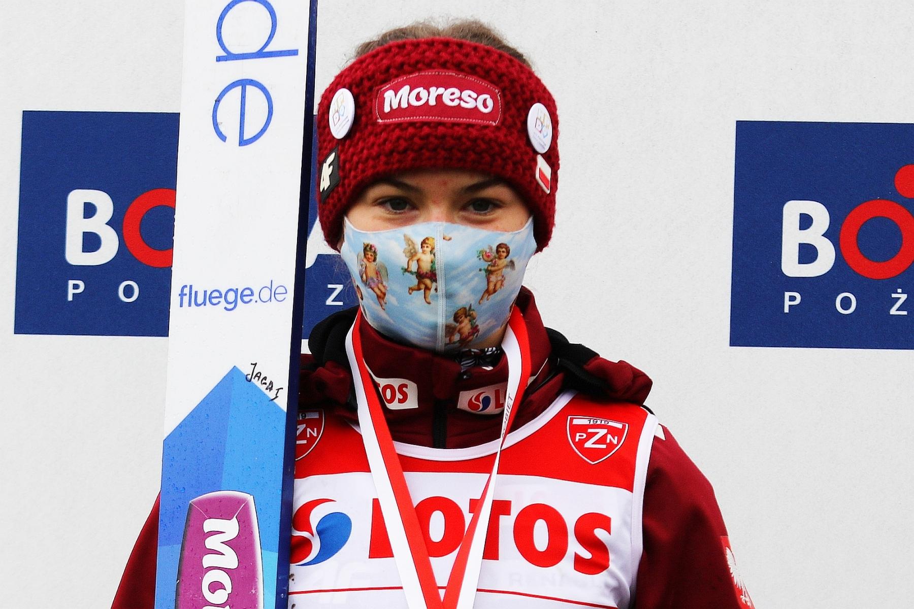 MistrzostwaPolskiKobiet Szczyrk2020 fot 41 - FIS Cup Szczyrk: Premierowe zwycięstwo Indrackovej, Karpiel na podium!