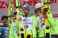 Zawodnicy klubu AZS Zakopane podczas dekoracji, fot. Julia Piątkowska