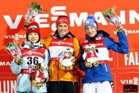 Podium konkursu (od lewej: Y.Ito, C.Vogt, D.Iraschko-Stolz), fot. Julia Piątkowska)(144)