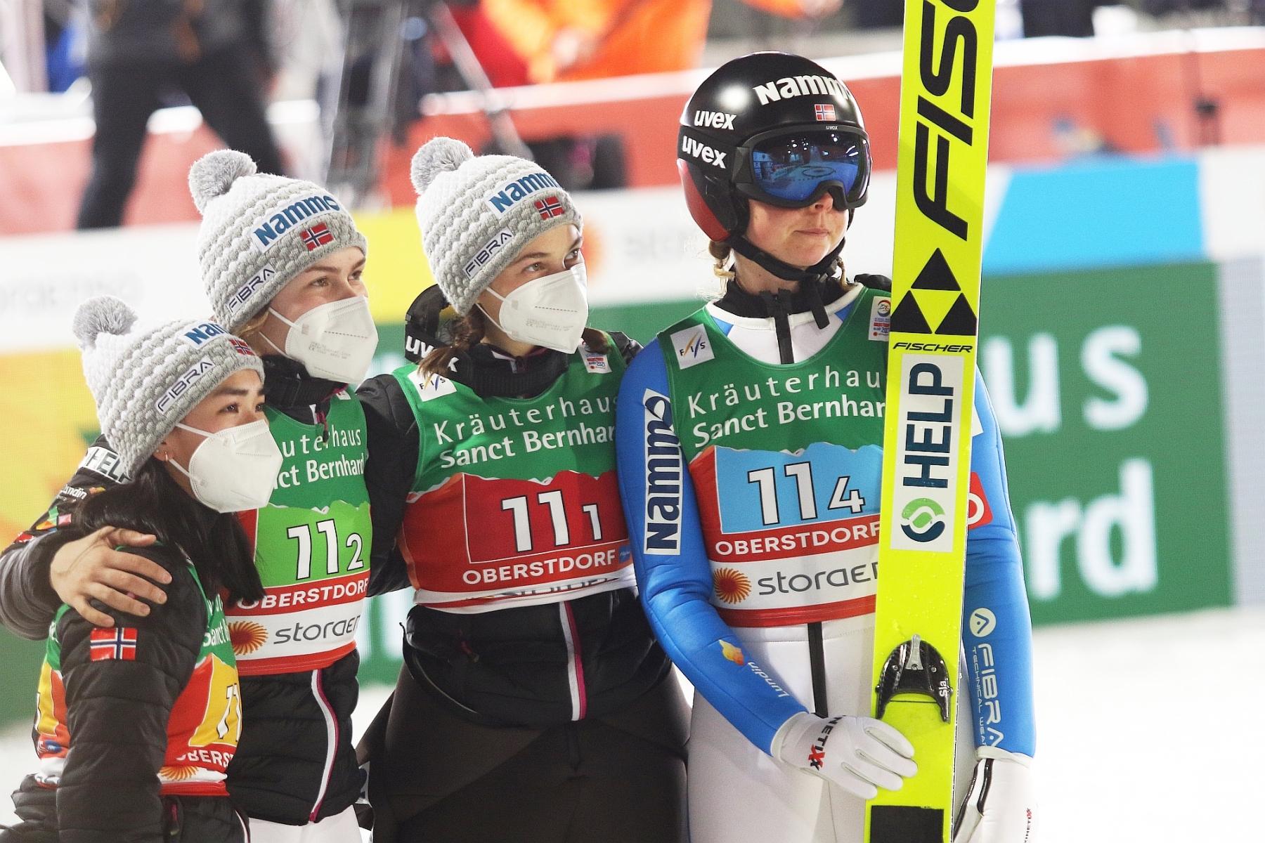 Mistrzostwa Swiata Oberstdorf2021 panieteam fotJuliaPiatkowska 75 - Podwójne COVID-owe standardy? Norweżki obawiają się Słowenek, zero litości dla Włochów