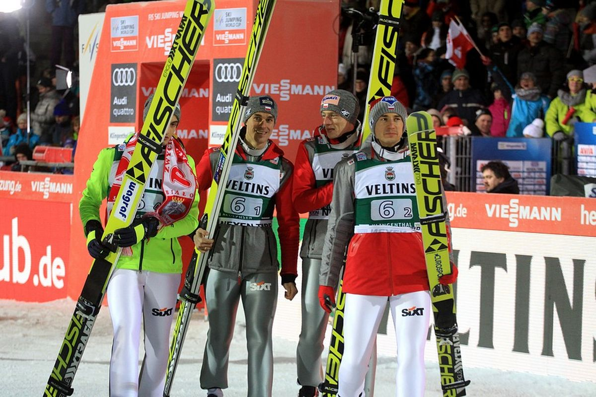 Polska drużyna zmierzająca na podium w Klingenthal (fot. Alicja Kosman / PZN)