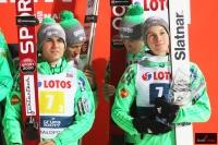 Słoweńscy skoczkowie na podium (fot. Julia Piątkowska)