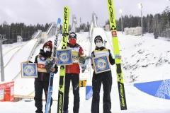 Czołowa trójka konkursu, od lewej: Takanashi, Kramer, Kriznar (fot. Pavel Semyannikov / LOC Nizhny Tagil)