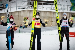 Podium konkursu, od lewej: Takanashi, Kriznar, Opseth (fot. Daniel Maximilian Milata / Maxim's Sports)