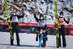 Podium konkursu, od lewej: Opseth, Takanashi, Kriznar (fot. Daniel Maximilian Milata / Maxim's Sports)