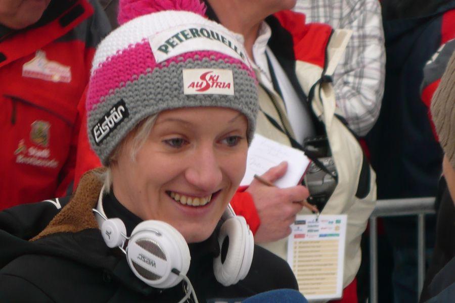 PŚ Pań Hinzenbach: Seria próbna dla Iraschko-Stolz