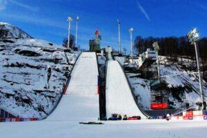 Życie skoczni po igrzyskach – rozwój w Soczi, ruina w Sarajewie