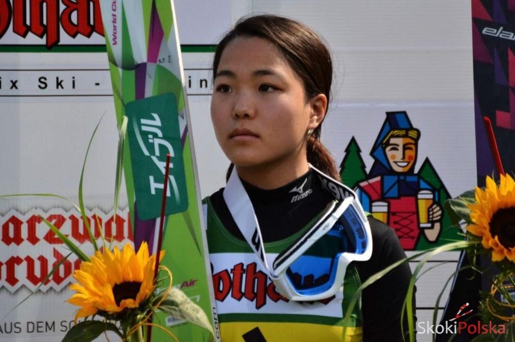 Takanashi Sara flower.ceremony S.Piwowar 1024x681 - PŚ PAŃ W PLANICY: TAKANASHI PROWADZI PO I SERII
