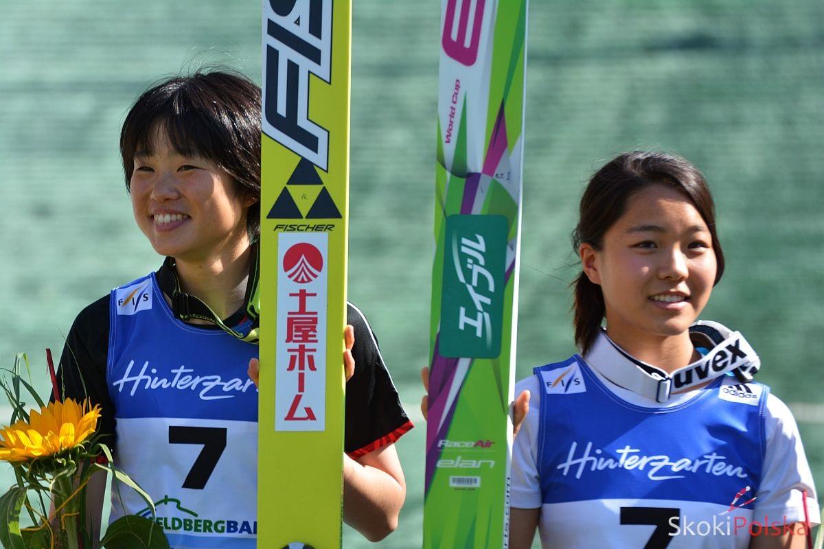 Yuki Ito i Sara Takanashi (fot. Stefan Piwowar)