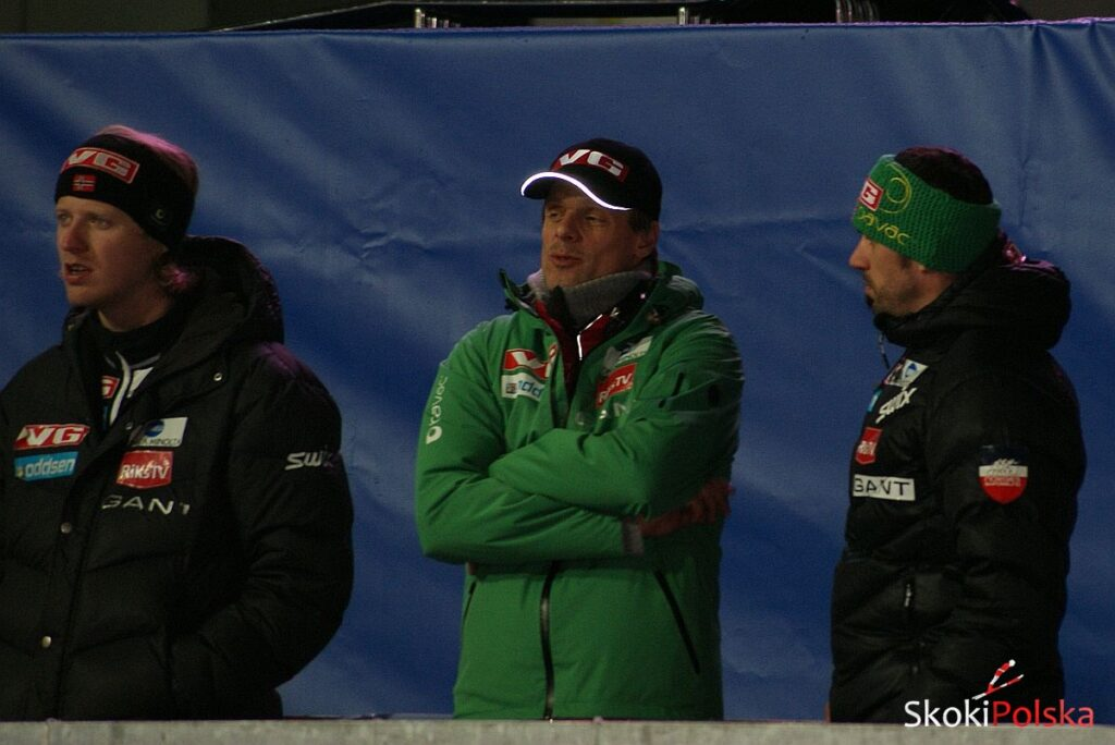 Read more about the article Norweska zmiana na PŚ w Kuusamo – Hauer za Sjoeena