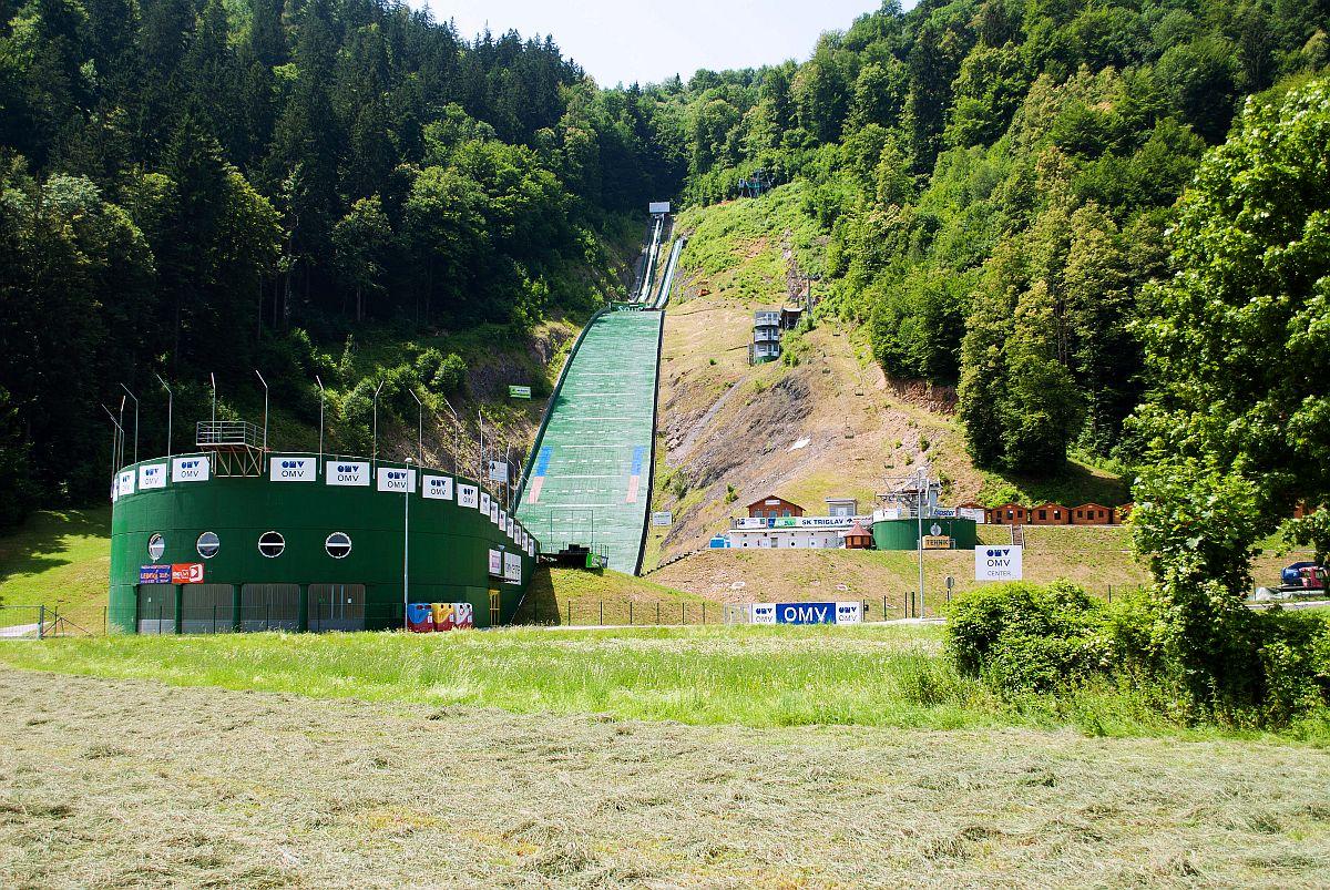 Amerykańscy skoczkowie narciarscy trenują w Słowenii
