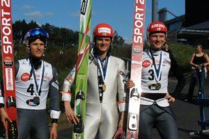 Sami Niemi i drużyna Ounasvaaran Hiihtoseura z tytułami Mistrzów Finlandii