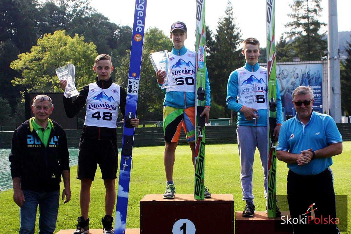 FCC.podium.men .2014.szczyrk.lato Buzescu.Jarzabek.Gut fot.J.Piatkowska - FIS Carpath Cup: triumf Dawida Jarząbka w Szczyrku