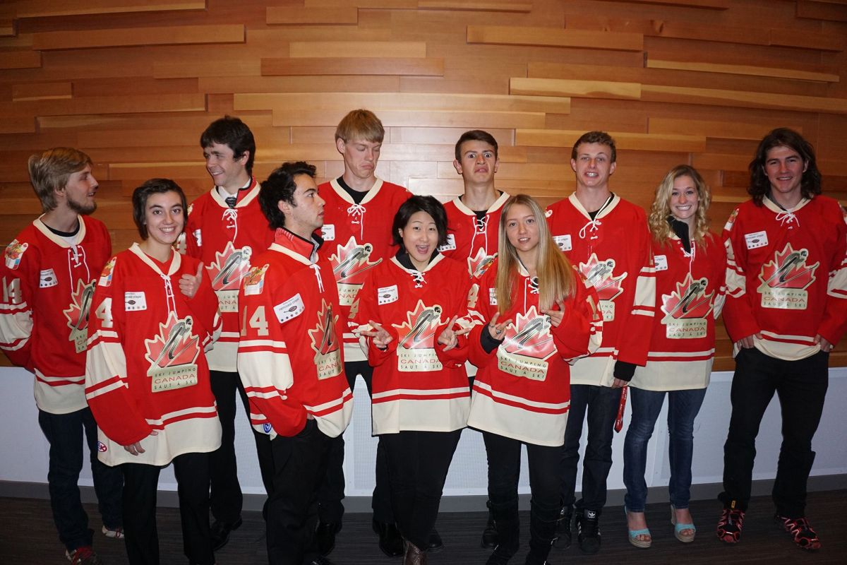 Kanadyjskie kadry 2014/2015 podczas oficjalnej prezentacji, fot. skijumpingcanada.com