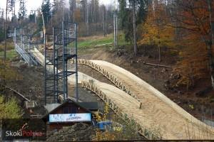 Wisla Centrum listopad.2014 budowa fot.Bartosz.Leja2  300x200 - Budowa skoczni narciarskich w Wiśle-Centrum bliska ukończenia