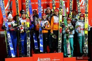 Podium konkursu (od lewej: Norwegowie, Niemcy, Japończycy), fot. Julia Piątkowska