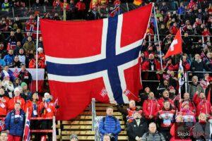 Norwescy kibice na skoczni Lugnet w Falun, fot. Julia Piątkowska