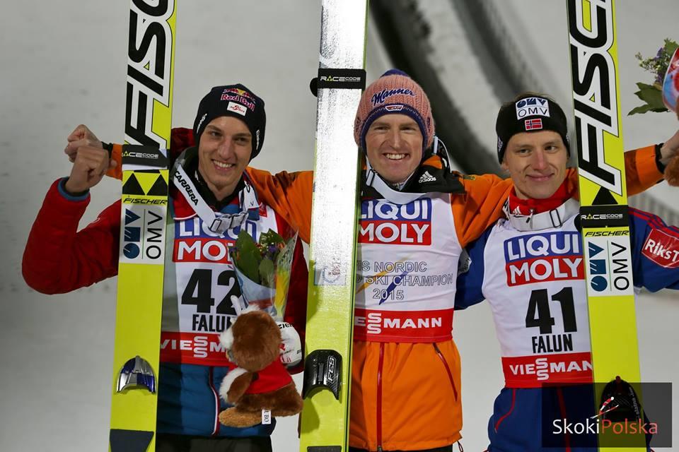 Podium na skoczni dużej: G.Schlierenzauer, S. Freund, R.Velta, fot. Julia Piątkowska