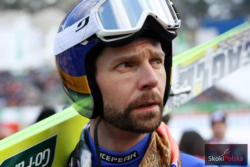 Lahti: Janne Ahonen triumfuje na dużej skoczni, upadek i przerwa Kytoesaho