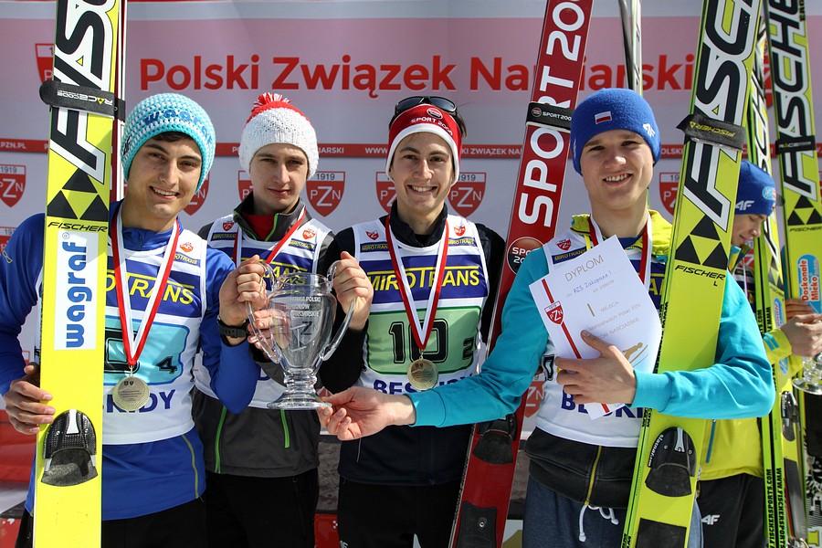 Zwycięska drużyna AZS Zakopane I (od lewej: M.Kot, A.Zapotoczny, J.Kot, A.Stękała), fot. Alicja Kosman / PZN