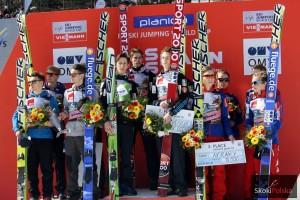 Podium konkursu (od lewej: Austriacy, Słoweńcy, Norwegowie), fot. Julia Piątkowska