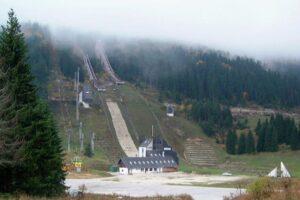 Sarajewo Igman.Olympic.Jumps fot.skisprungschanzen 300x200 - Życie skoczni po igrzyskach - rozwój w Soczi, ruina w Sarajewie