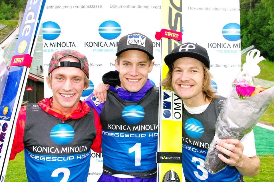 Podium konkursu (od lewej:  A.Fannemel, K.Gangnes, T.Hilde), fot. skiforbundet.no