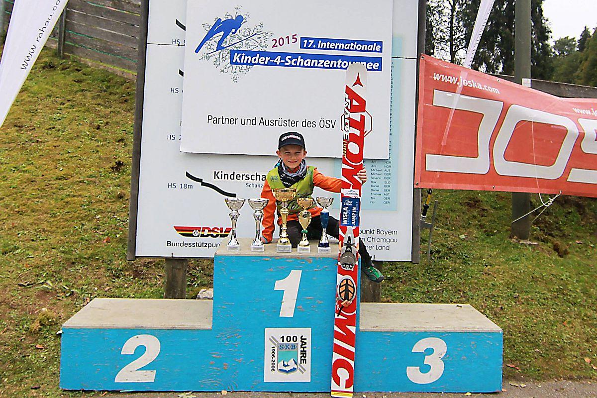 Tymek Cienciała zwycięża w Turnieju Czterech Skoczni dzieci! (FOTO)
