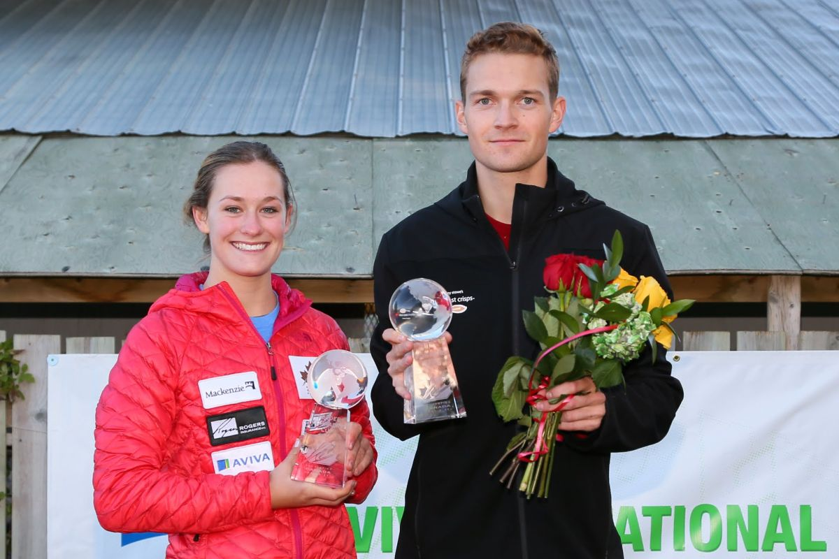 Taylor Henrich i Mackenzie Boyd-Clowes (fot. Tom Reid / skijumpingcanada.com)