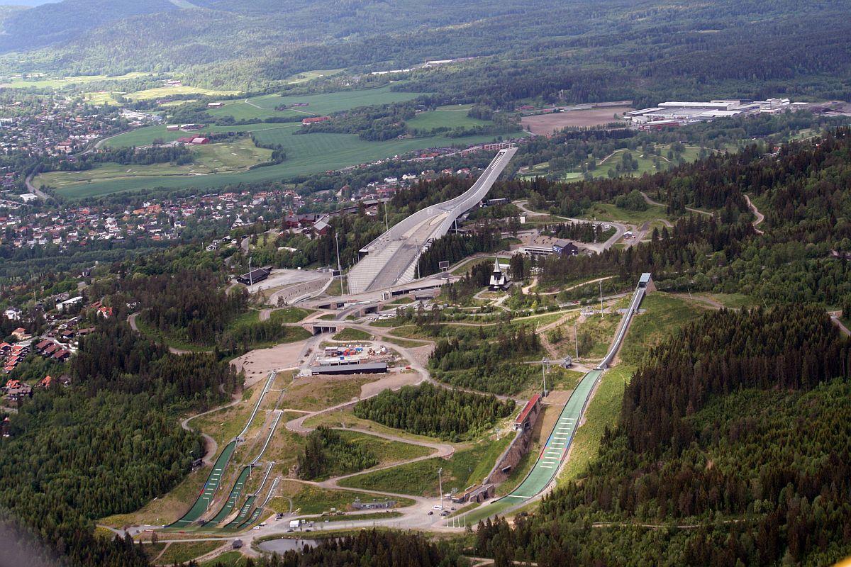 Holmenkollen skocznie fot.GAD  - Norgescup Oslo: Riiber triumfuje z nowym rekordem skoczni