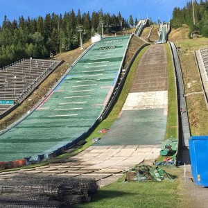 Lillehammer Lysgaardsbakken fot.Line .Jahr .Facebook 300x300 - Norweskie i fińskie skocznie w przebudowie, w USA ratowane przed rozbiórką