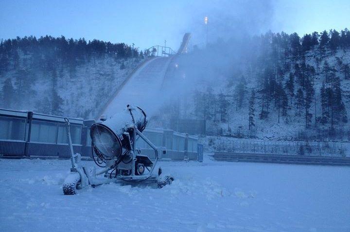 Kuusamo Rukatunturi 10.2015 fot.Ruka .Nordic.Opening - Przybywa śniegu na pucharowych skoczniach