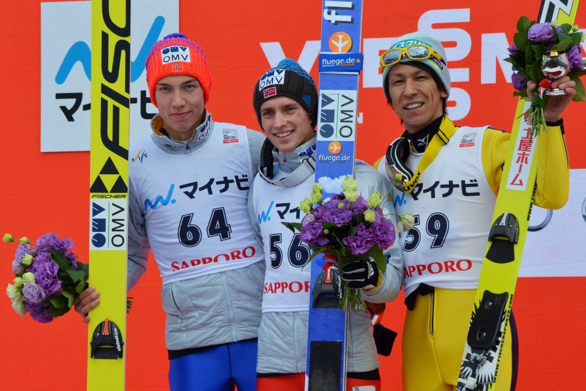 """Forfang Fannemel Kasai podium.Sapporo.2016 - PŚ Sapporo: Fannemel wygrywa z rekordem, Stoch znowu poza """"30"""""""
