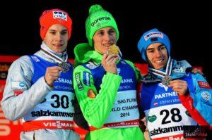 Medaliści MŚ w lotach z Tauplitz, 2016 (od lewej: K.Gangnes, P.Prevc, S.Kraft), fot. Bartosz Leja
