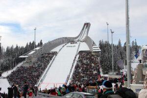 Oslo Holmenkollbakken2 fot.Stefan.Piwowar 300x200 - Walter Hofer o przyszłości skoków oraz konkursach w Norwegii i Finlandii