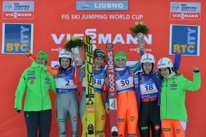 Słoweńska drużyna z triumfatorką zeszłorocznego konkursu, Evą Logar (fot. Aljosa Rebolj / Iztok Dimc)