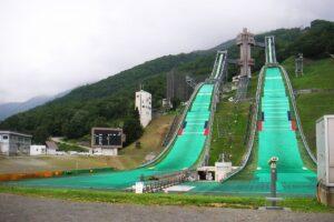 Kompleks.skoczni.olimpijskich Hakuba fot Ans CC.BY SA.3.0 300x200 - LGP Hakuba: Drugi konkurs niebawem, czy Murańka powtórzy sukces? (LIVE)