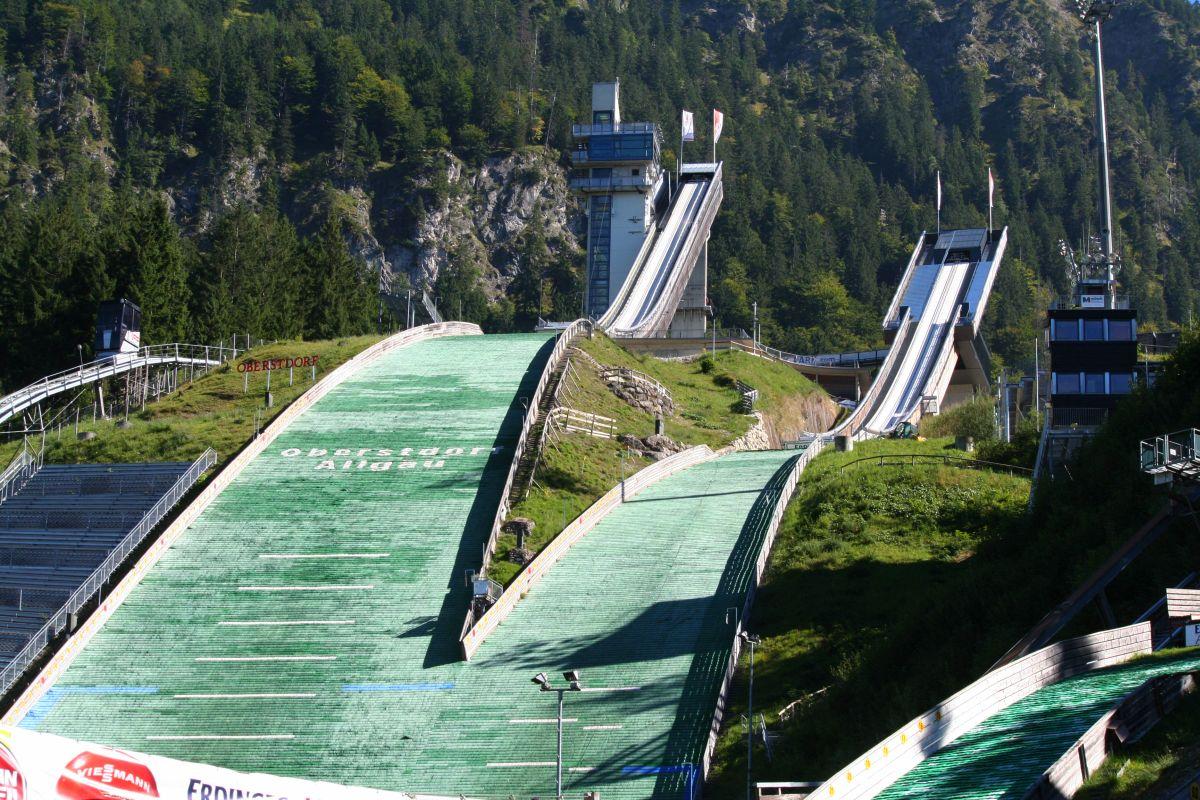 Oberstdorf Erdinger.Arena .Schattenbergschanzen.lato fot.Einsamer.Schuetze CC BY SA.4.0 - Międzynarodowe konkursy w Wiśle i Oberstdorfie - wyniki