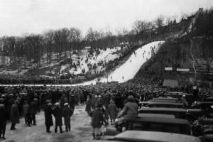 RedWing zawody.USA .1928 fot.SkiJumpingCentral.com fot.skijumpingusa.com  300x200 - Czas inwestycji w USA: Nowy kompleks skoczni w Red Wing (cz. 1)