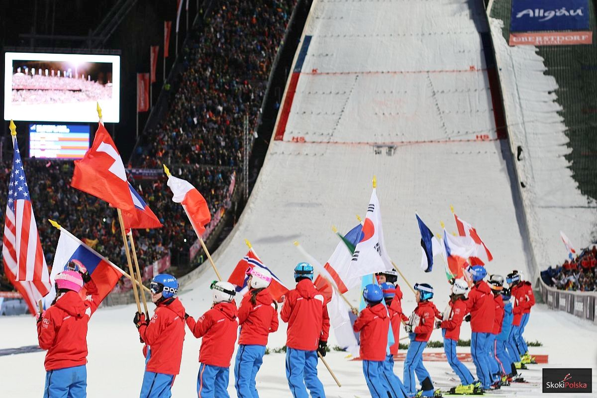 Ceremonia otwarcia konkursu skoków w Oberstdorfie (fot. Julia Piątkowska)