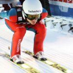 Szwajcarskie media: Simon Ammann kontynuuje karierę