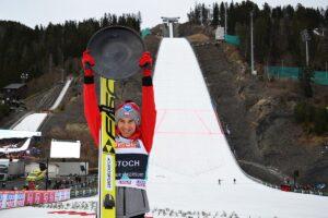 Kamil Stoch triumfujący w Vikersund przed rokiem (fot. Przemek Wardęga)