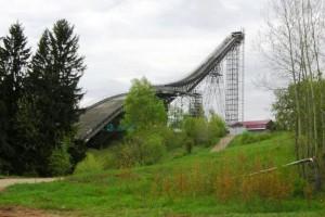 Kirov Tramplin fot.skijumpingrus.ru  300x200 - Rosjanie inwestują: Siatki w Niżnym Tagile, problemy skoczni w Kirowie