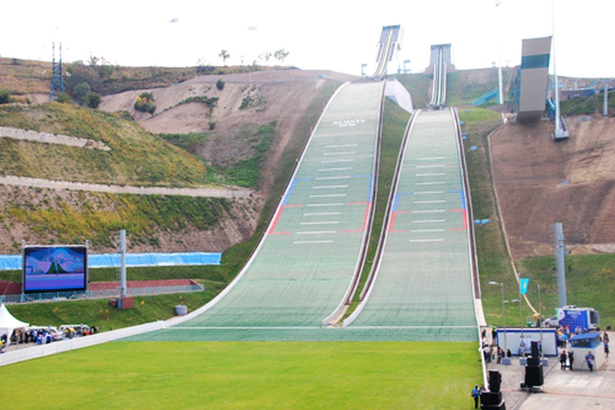 Almaty Gorney.Gigant fot.skisprungschanzen.com  - Zawody FIS Grand Prix w Kazachstanie odwołane!