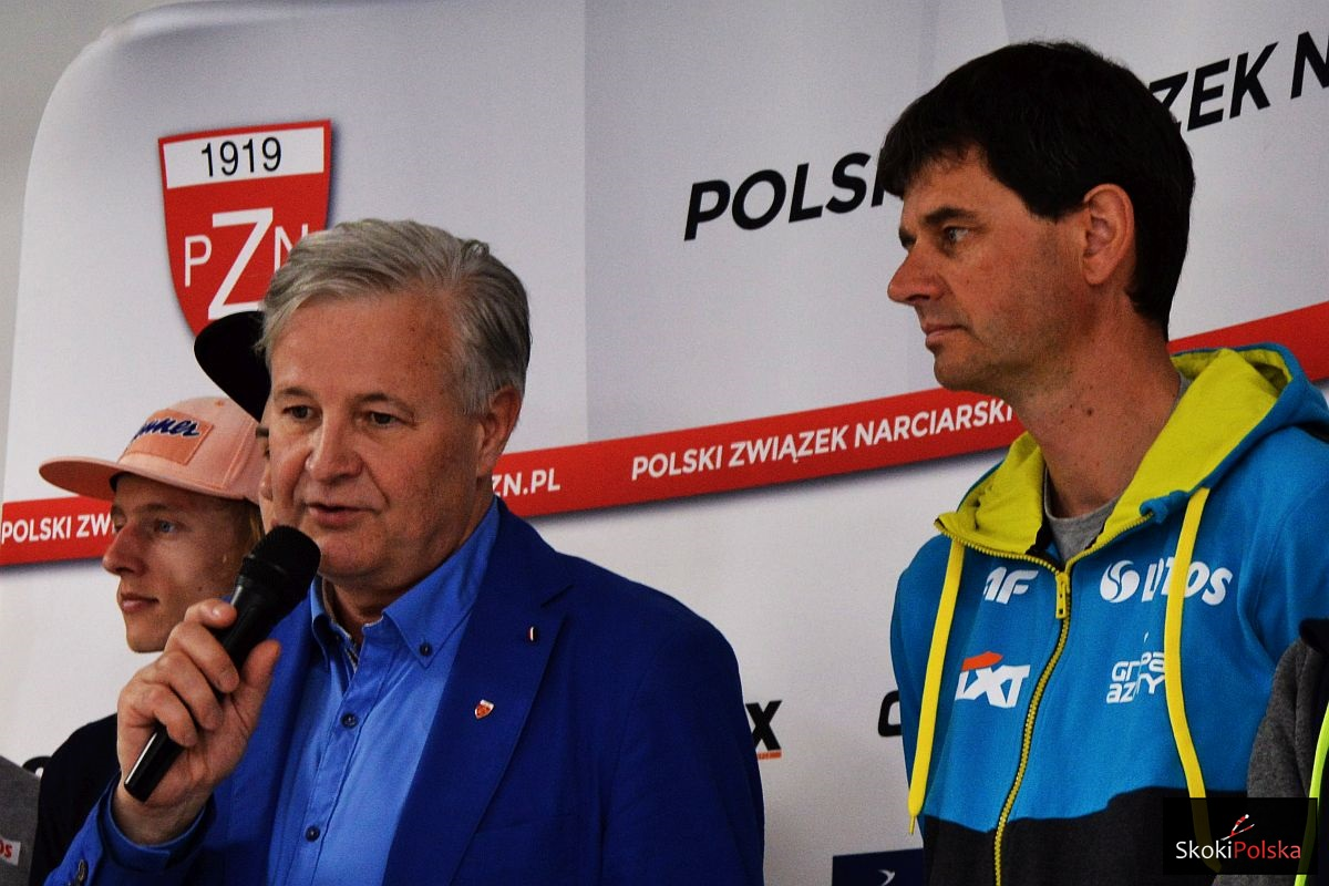 Prezes PZN Apoloniusz Tajner i trener polskich skoczków Stefan Horngacher (fot. Bartosz Leja)