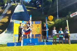 Podium w kategorii męskiej (od lewej: Ekart, Masle, Niederberger), fot. sommerskispringen-hinterzarten.de