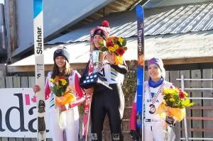 Podium konkursu kobiet (od lewej: Eilers, Henrich, Bodnarchuk), fot. facebook.com/SkiJumpingCanada