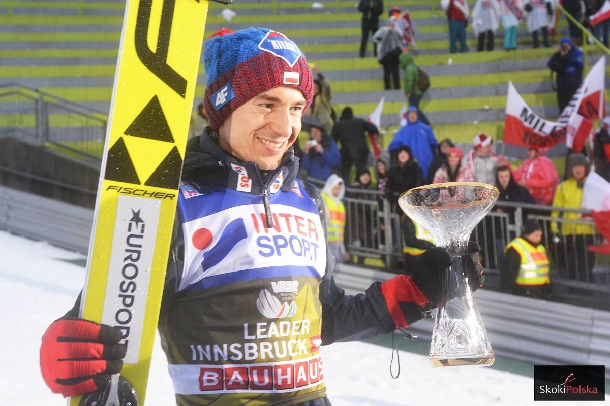 Kamil Stoch triumfuje w Innsbrucku (fot. Julia Piątkowska)